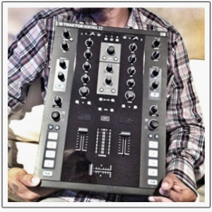 Traktor Kontrol Z2 in the hands of DJ Craze