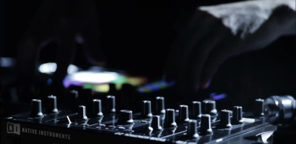shot of new traktor mixer from NI